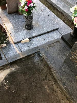 pierre tombale à Aubry Du Hainaut